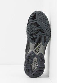 Mizuno - WAVE LIGHTNING Z5 - Volleyball shoes - black/met shadow/dark shadow - 4