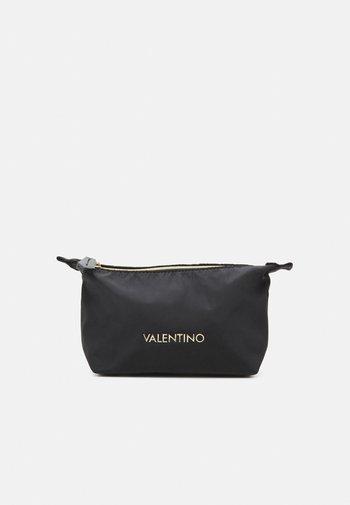 OLMO - Wash bag - nero
