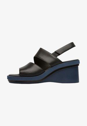 KYRA - Sandalen met sleehak - black