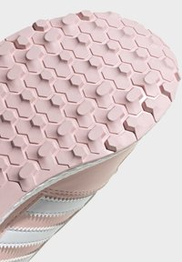 adidas Originals - FOREST GROVE SHOES - Sneakersy niskie - pink - 7