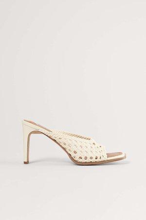 RATTAN MULES - Pantofle na podpatku - white