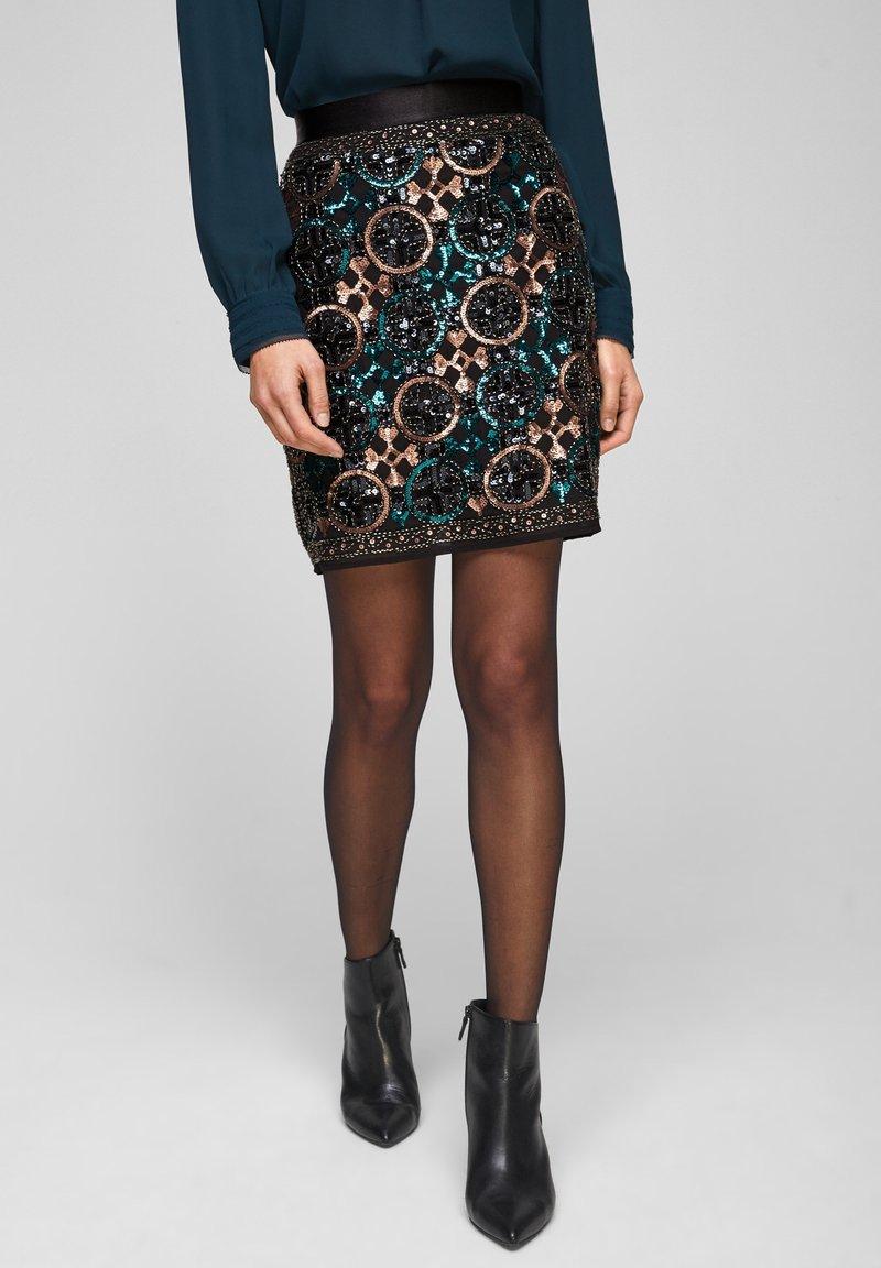 s.Oliver BLACK LABEL - A-line skirt - black aop