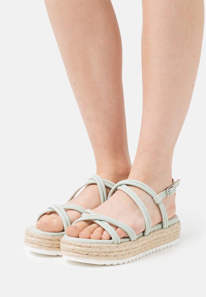 mtng - AMELIE - Sandály na platformě - menta