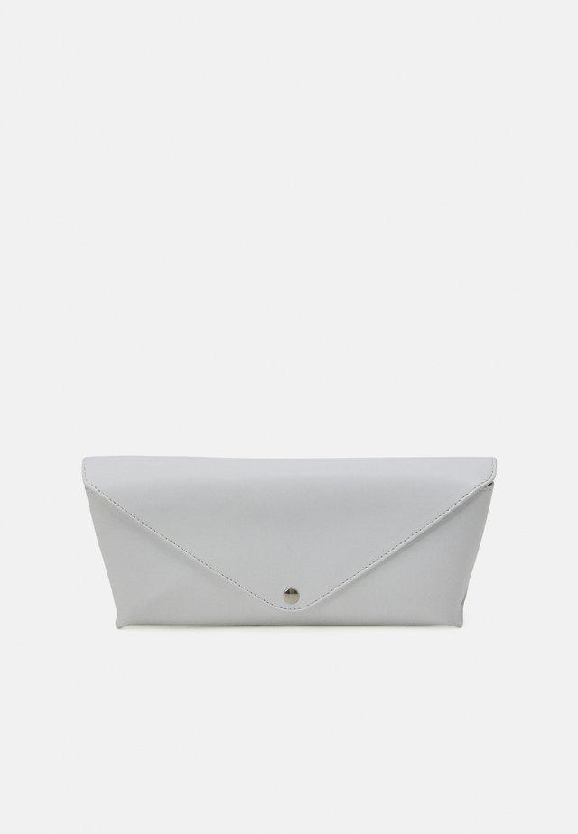 BORSA POCHETTE - Clutch - white