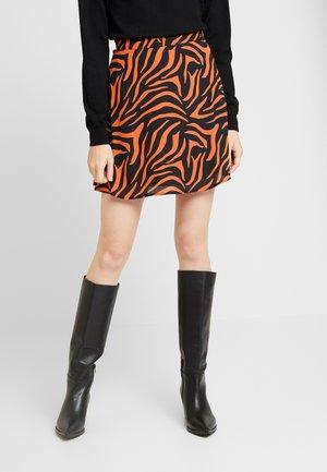 A LINE MINI SKIRT - Áčková sukně - black/orange