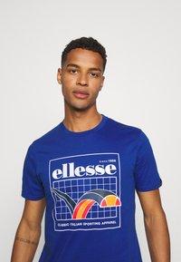 Ellesse - PARERI TEE - Print T-shirt - blue - 3