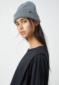 PULL&BEAR - Basic T-shirt - mottled black - 3