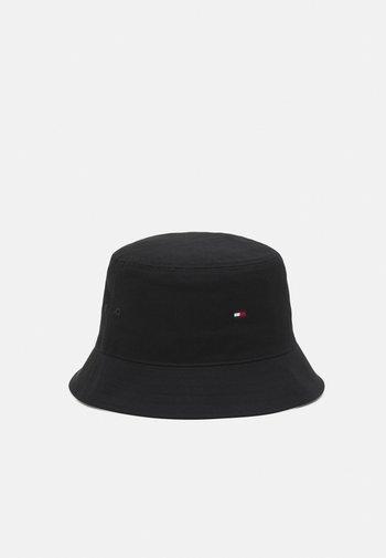 FLAG BUCKET HAT UNISEX - Hat - black