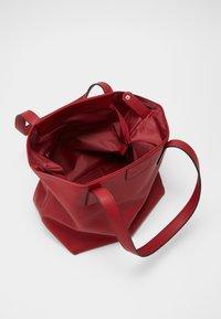 TOM TAILOR - MIRI ZIP - Handbag - red - 2