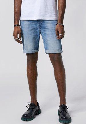 SOLOMON  - Denim shorts - light blue