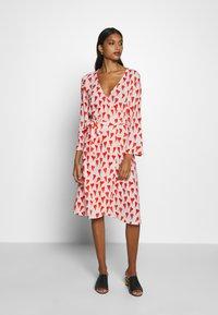 Fabienne Chapot - WINNI DRESS - Kjole - off-white/red - 0