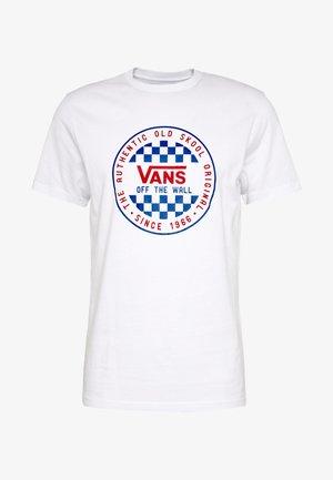 CHECKER - T-shirt med print - white