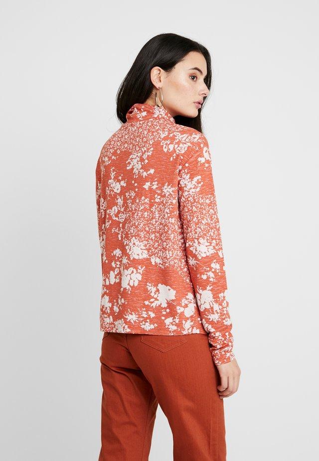 RELIA - Long sleeved top - orange/white
