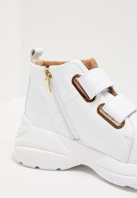 RISA - Sneakersy wysokie - white - 6