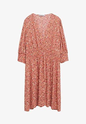 MIT BLUMENDRUCK - Day dress - korallrot