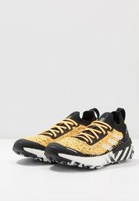 adidas Performance - TERREX TWO ULTRA PARLEY - Løbesko trail - solar gold/core black/footwear white - 2