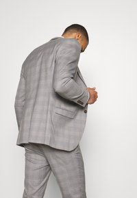 Isaac Dewhirst - CHECK 3 PIECES SUIT - Oblek - grey - 3