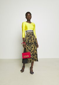 Versace Jeans Couture - SKIRT - A-line skirt - black/gold - 3