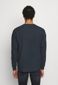 Mennace - TAIL LIGHT - Long sleeved top - washed black - 2