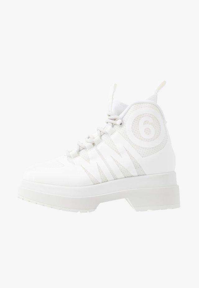 Høye joggesko - blanc de blanc/bright white