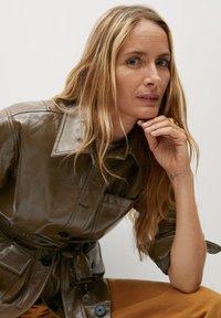 Mango - DORIS - Faux leather jacket - braun - 4