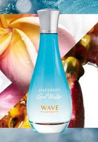 DAVIDOFF Fragrances - COOL WATER WOMAN WAVE EAU DE TOILETTE  - Eau de Toilette - - - 3
