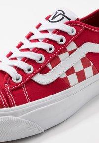 Vans - BESS  - Skate shoes - red/true white - 6
