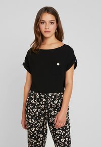 Dorothy Perkins Petite - BUTTON POCKET - Blouse - black - 0
