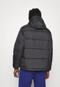 adidas Originals - PAD HOODED PUFF - Kurtka zimowa - black - 3
