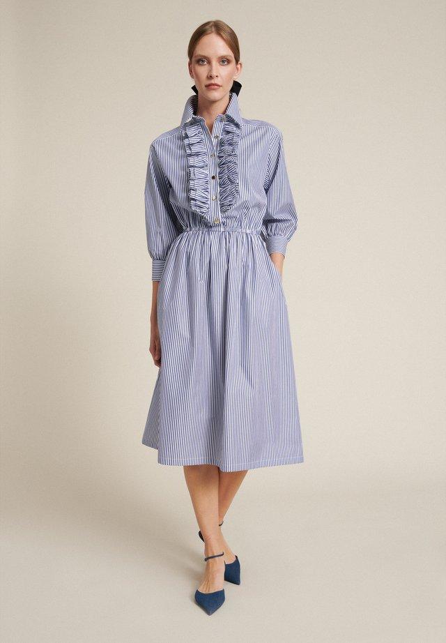 Robe chemise - var bianco/azzurro