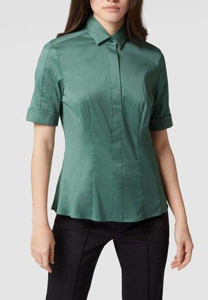 Polo shirt - schilf