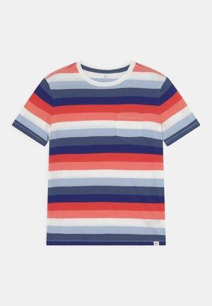 BOYS - T-shirts print - blue/red/pink