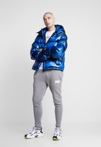 Champion Reverse Weave - HOODED PUFF JACKET - Winterjas - blue - 1