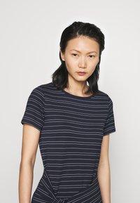 Club Monaco - TWANSIA DRESS - Jersey dress - stripe - 3