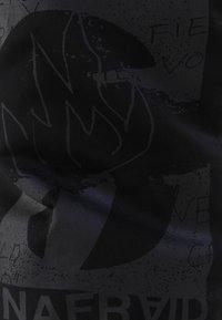 Bershka - MIT PRINT UND TASCHEN  - Pantaloni sportivi - black - 5