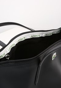 Lacoste - NF2037PO - Tote bag - black - 5
