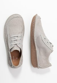 Clarks Unstructured - FUNNY DREAM - Casual lace-ups - light grey - 3