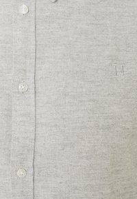 Les Deux - HOLDEN HERRINGBONE - Shirt - grey - 2