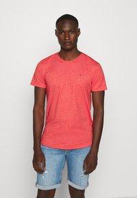 Tommy Jeans - ESSENTIAL JASPE TEE - T-shirts basic - deep crimson - 0