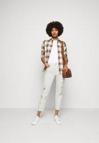 Polo Ralph Lauren - DANVERS  - Straight leg jeans - beaded ivory - 1