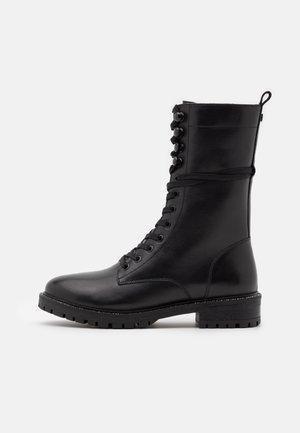 DENA - Bottes à lacets - black