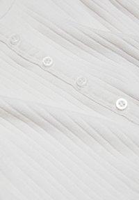 PULL&BEAR - T-paita - white - 3
