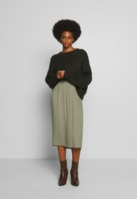 And Less - ALABBYGAIL SKIRT - Jupe trapèze - vetiver - 1
