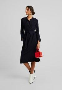 And Less - NEW CAJA DRESS - Denní šaty - blue nights - 1