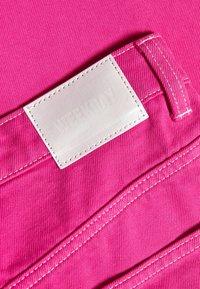 Weekday - ROWE - Jeans Straight Leg - cerise pink - 2