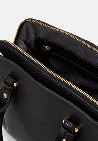 L. CREDI - FLORIANA - Handbag - black - 2