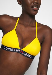 Tommy Hilfiger - TRIANGLE FIXED - Bikini top - amber glow - 3