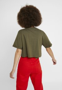 Ellesse - ALBERTA CROP  - T-shirts print - khaki - 2