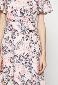 Esprit Collection Petite - FLUENT - Vapaa-ajan mekko - pastel pink - 5
