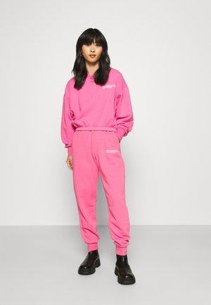 ONLCOOPER LIFE PANT SET - Felpa - shocking pink